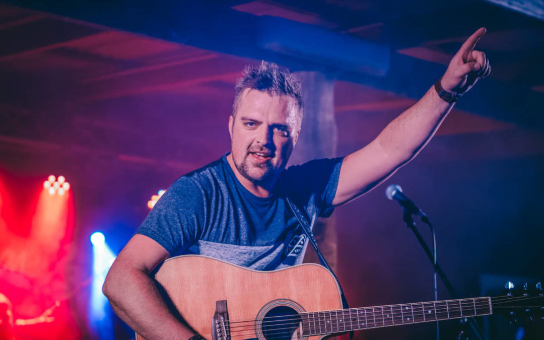 Country Rocker Will Day releases summer anthem 'Here To Party'
