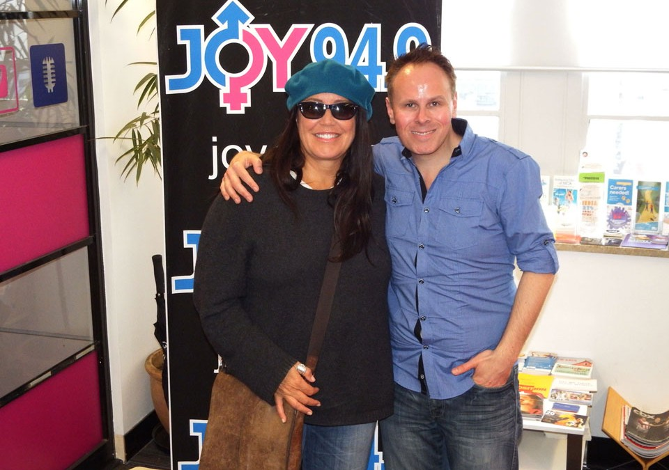 Toni Childs in studio with Leo at JOYFM Melbourne – 31st October, 2014