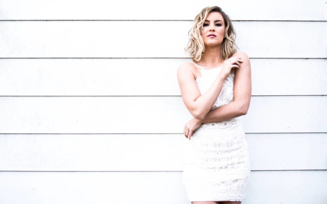 Country pop songstress Natalie Pearson releases sassy new song 'Plan B'